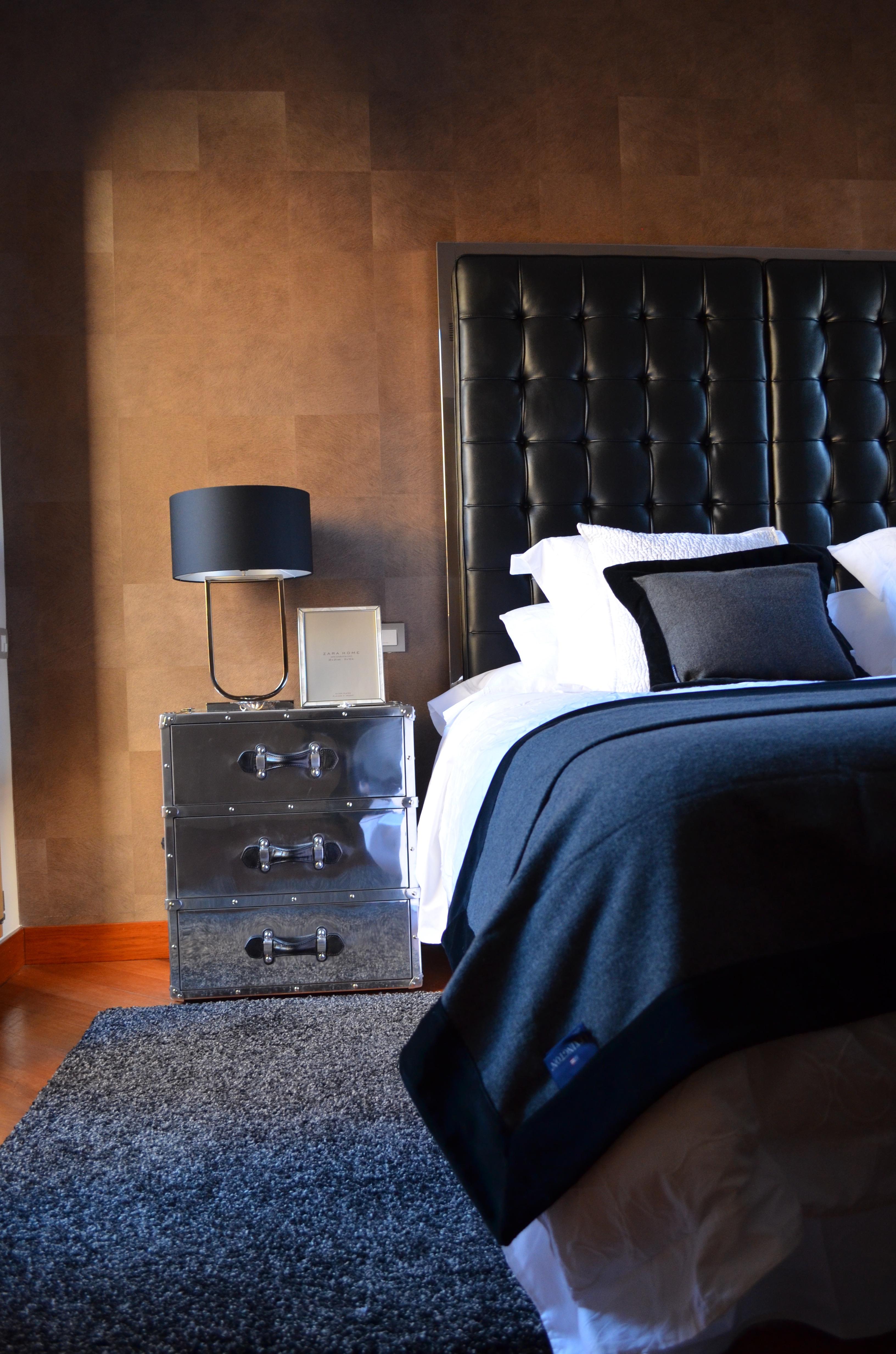 Proyecto París · Estudio Libia Bárcenas. Cama en el dormitorio.