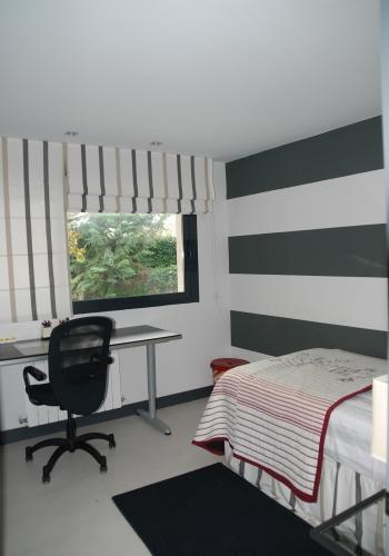 Dormitorio juvenil decorado por el estudio Libia Bárcenas