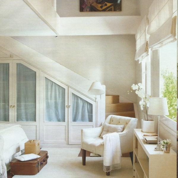 Dormitorio principal de una casa reformada y decorada por el estudio Libia Bárcenas