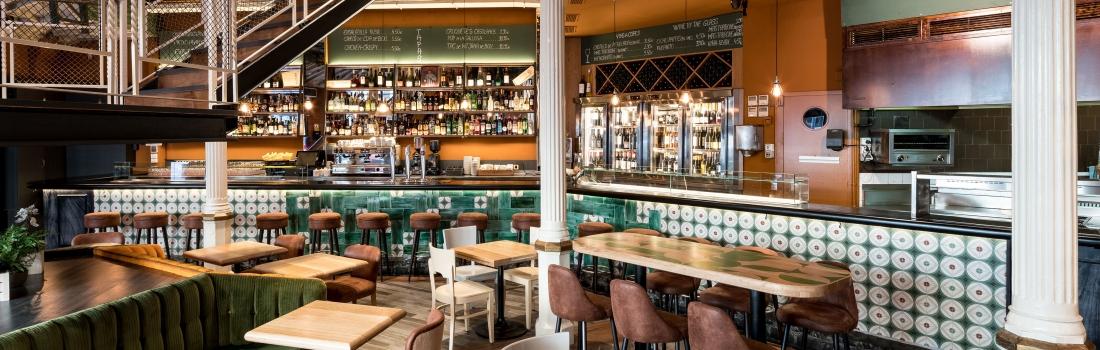 Un restaurante renovado con aires de teatro clásico